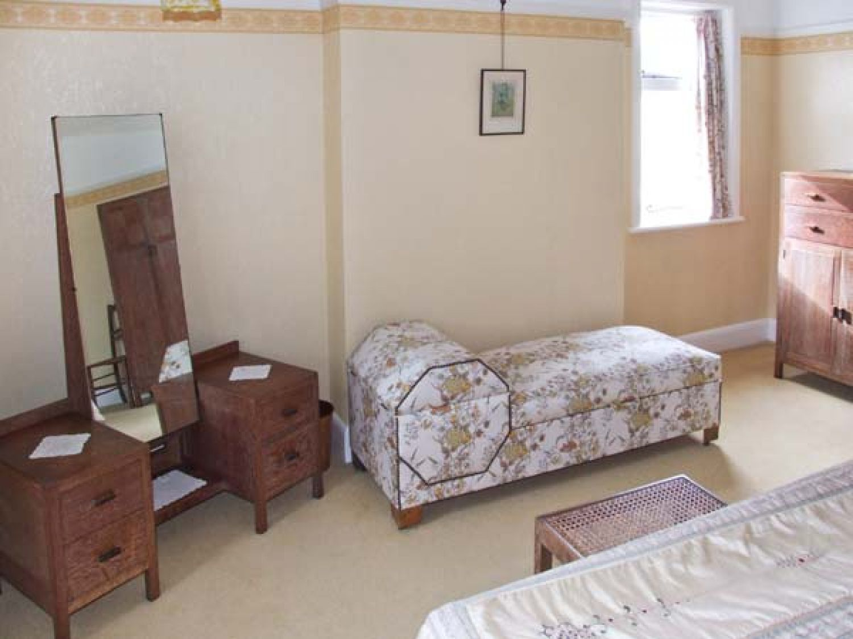 schimmel im schlafzimmer baby komplette schlafzimmer. Black Bedroom Furniture Sets. Home Design Ideas