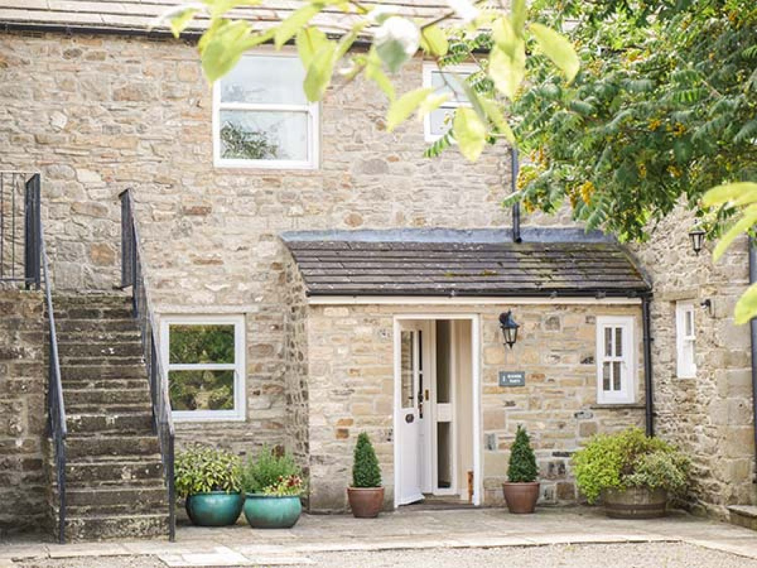 1 Manor Barn - Yorkshire Dales - 917882 - photo 1