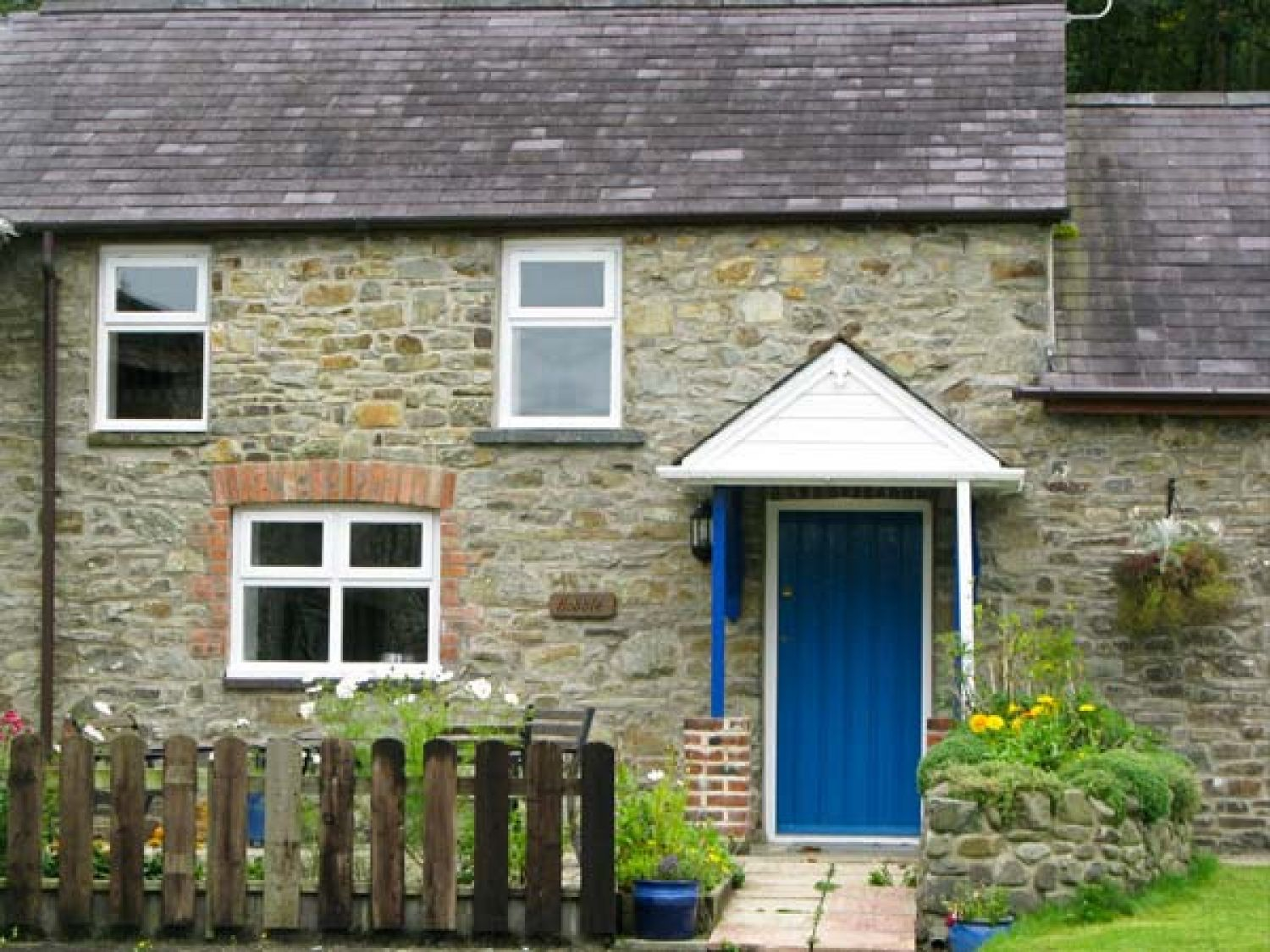 The Hobble - South Wales - 919294 - photo 1