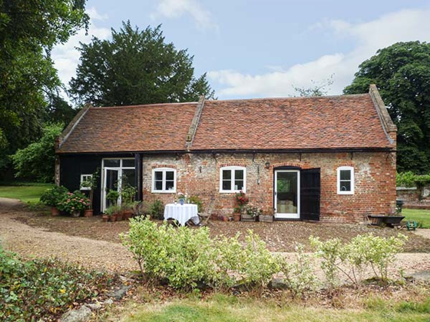 The Stables - Kent & Sussex - 919503 - photo 1