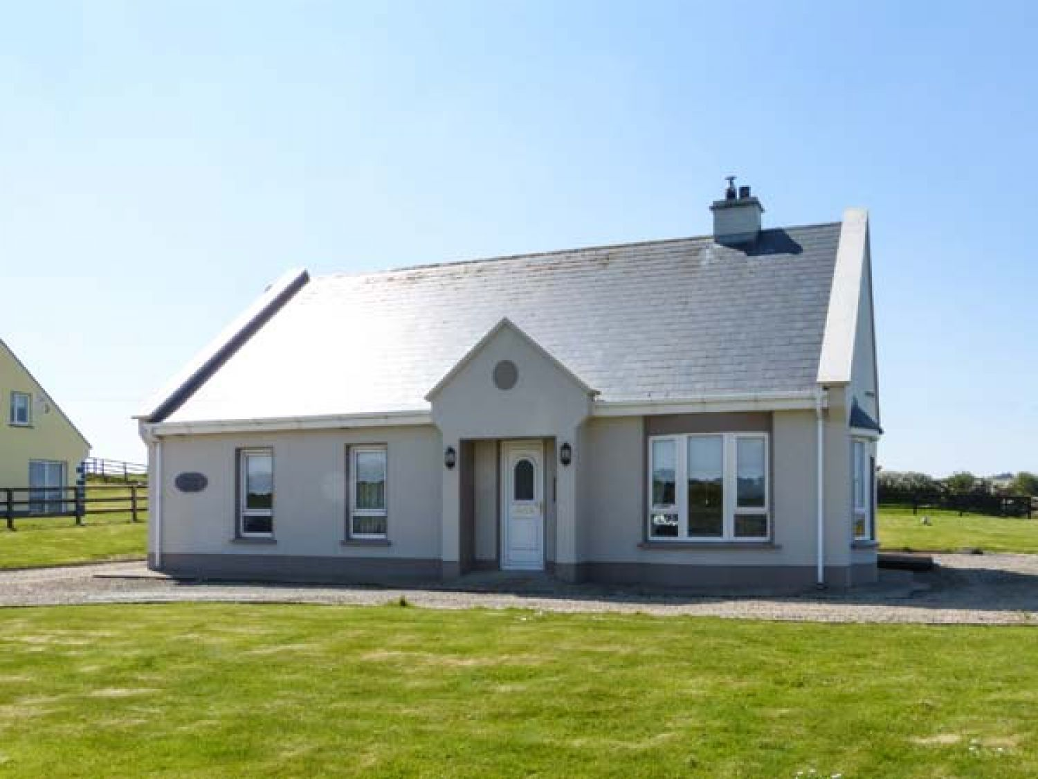 Seascape Cottage - County Clare - 921913 - photo 1