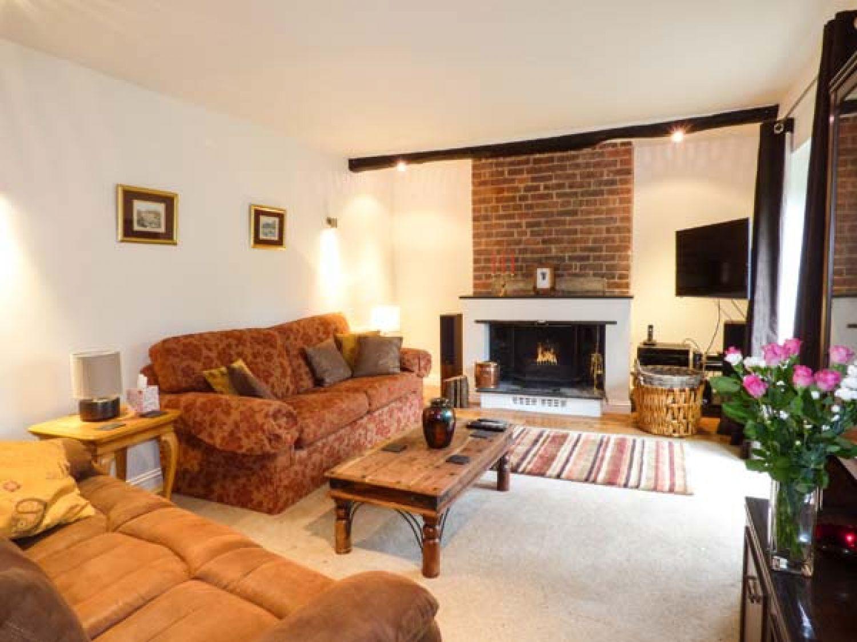 Home Design Kendal Part - 49: Bumblebee Cottage Photo 3