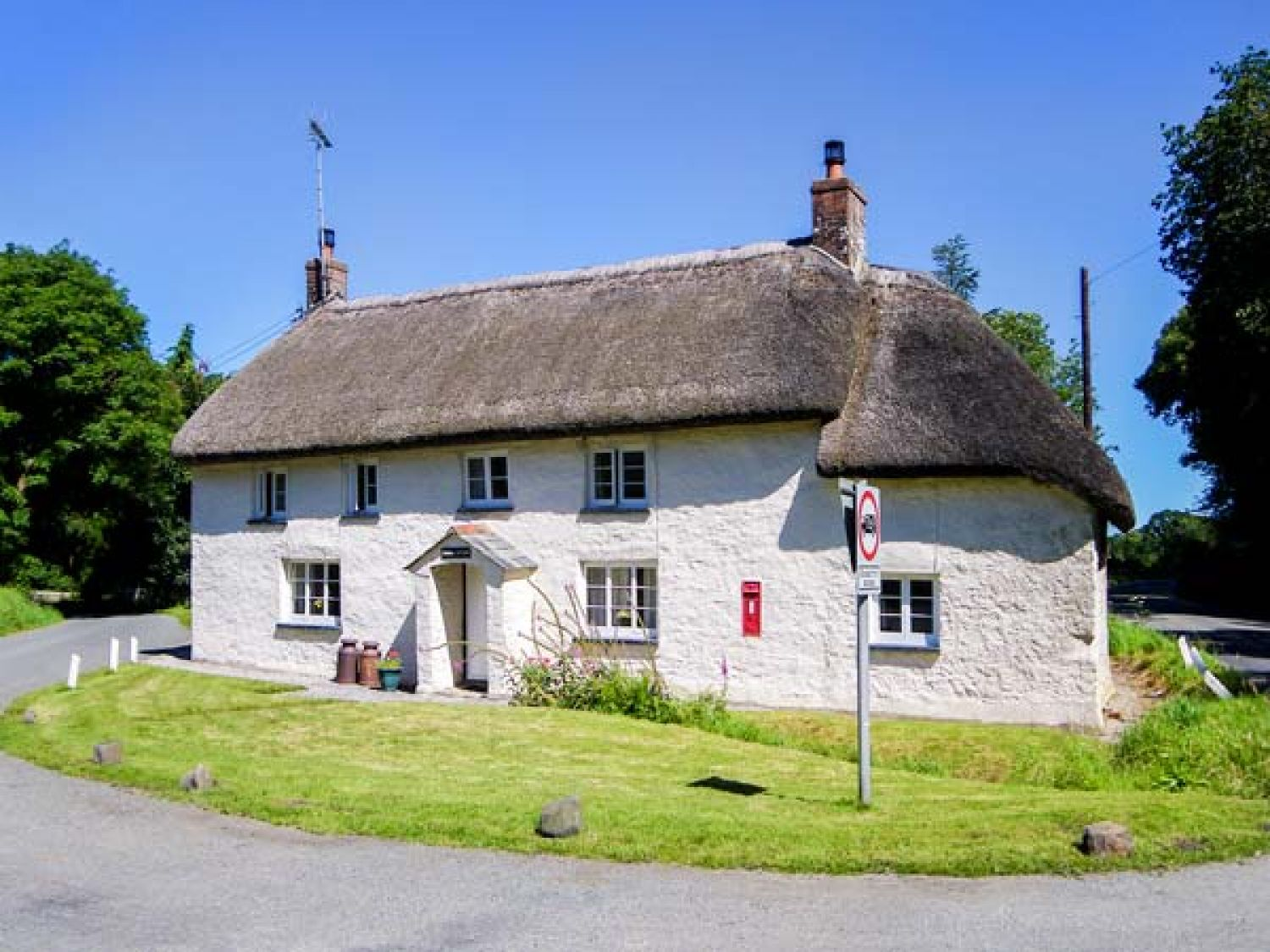 Holiday Cottages in Devon:Priory Cottage, Brightley, Devon | sykescottages.co.uk