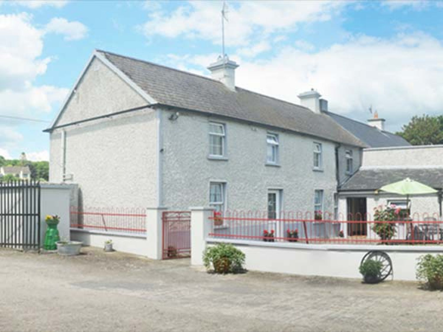 Ballykeeffe Farmhouse - 926122 - photo 1