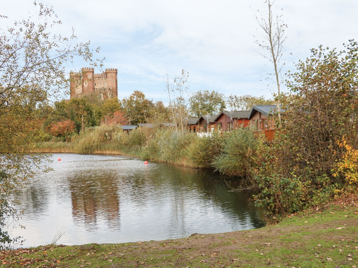 4 castle view tattershall lakes country park tattershall east anglia self catering for Tattershall lakes swimming pool