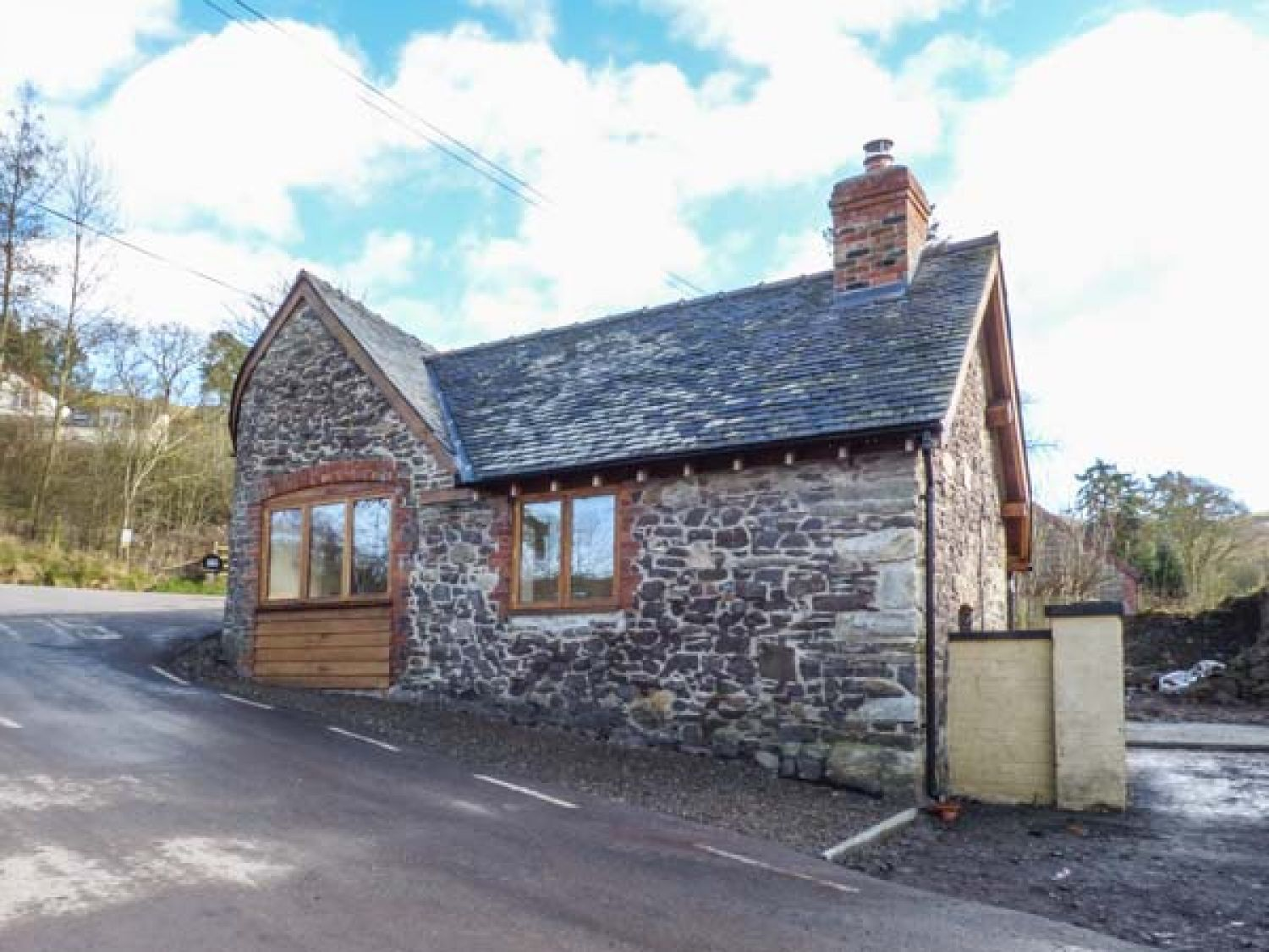 The Old Smithy - Shropshire - 930997 - photo 1