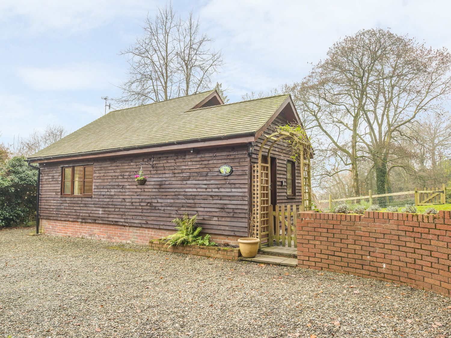 Woodpeckers Cottage - Shropshire - 931018 - photo 1