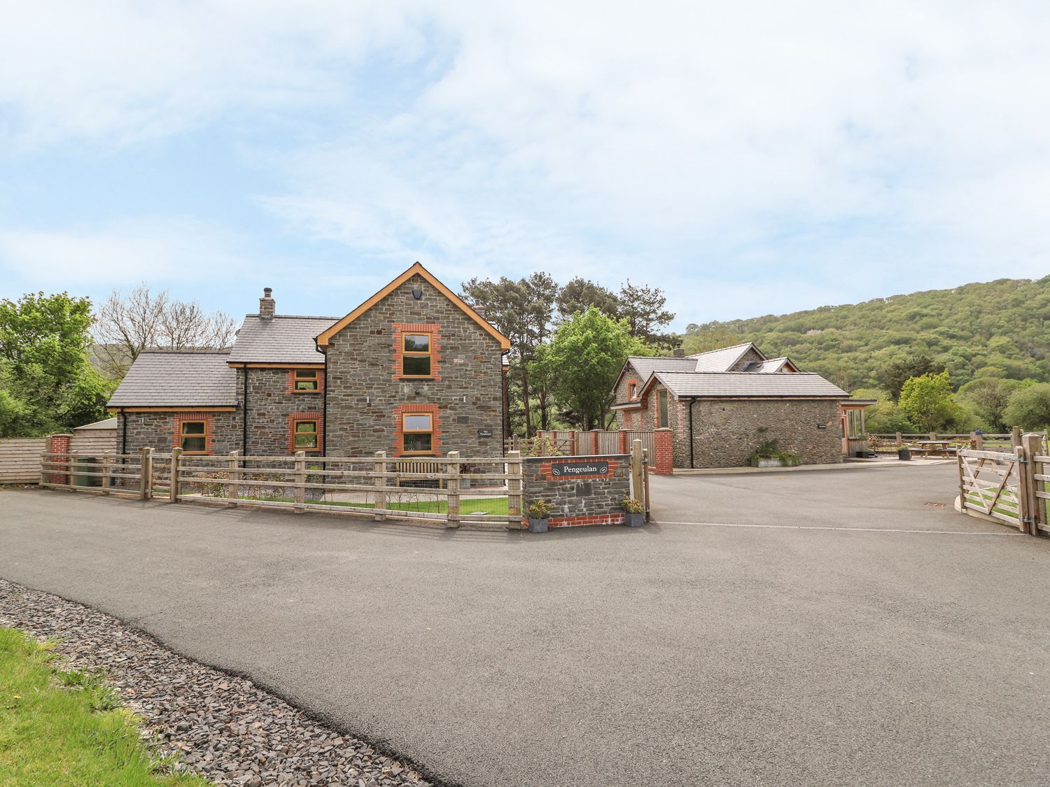 The Farmhouse - Mid Wales - 931725 - photo 1