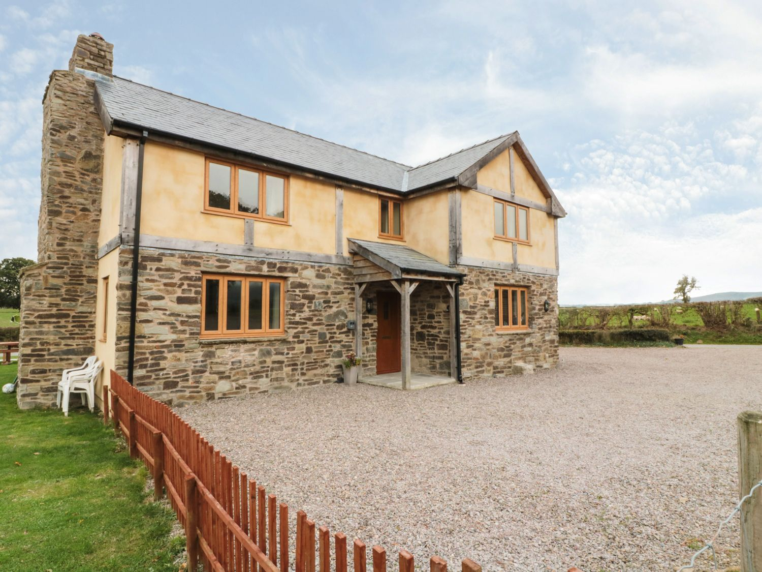 Upper Close - Mid Wales - 933089 - photo 1