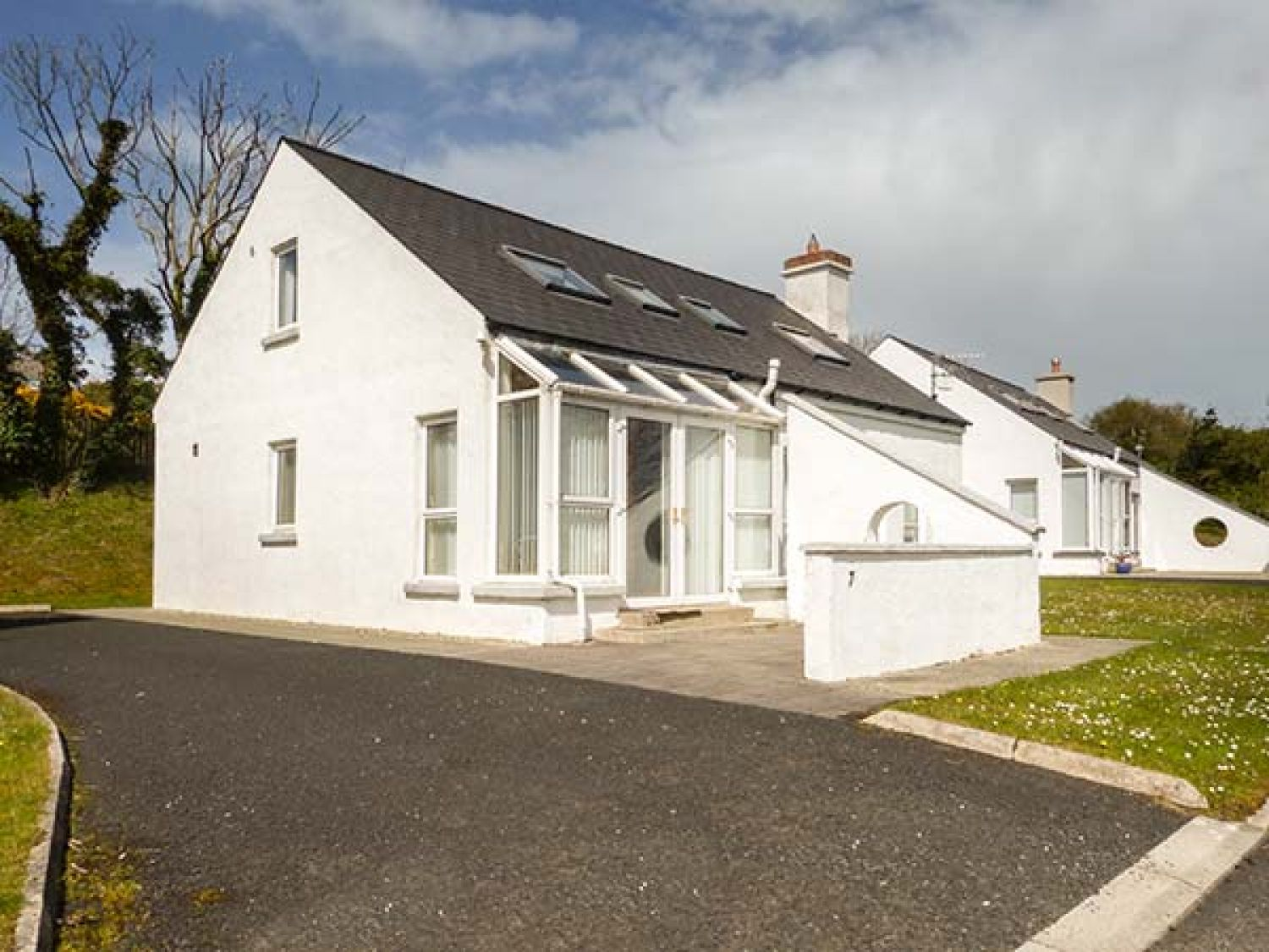 7 Harbour Heights - County Donegal - 934629 - photo 1