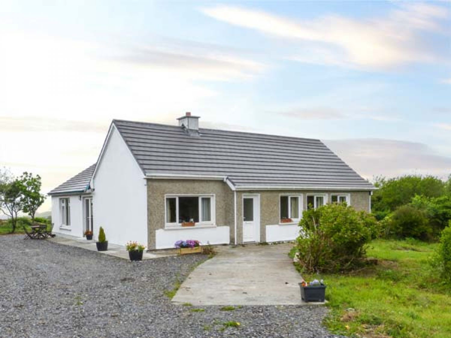 Thomas' Cottage - Shancroagh & County Galway - 937884 - photo 1