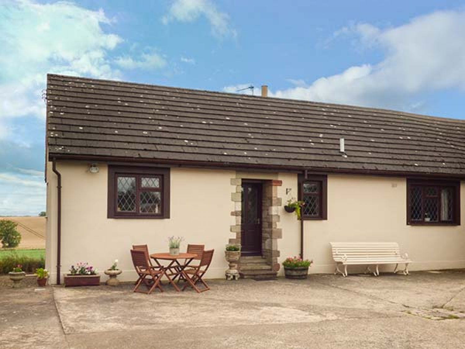 63a45ffcb01 Courtyard Cottage - Scottish Lowlands - 941046 - photo 1