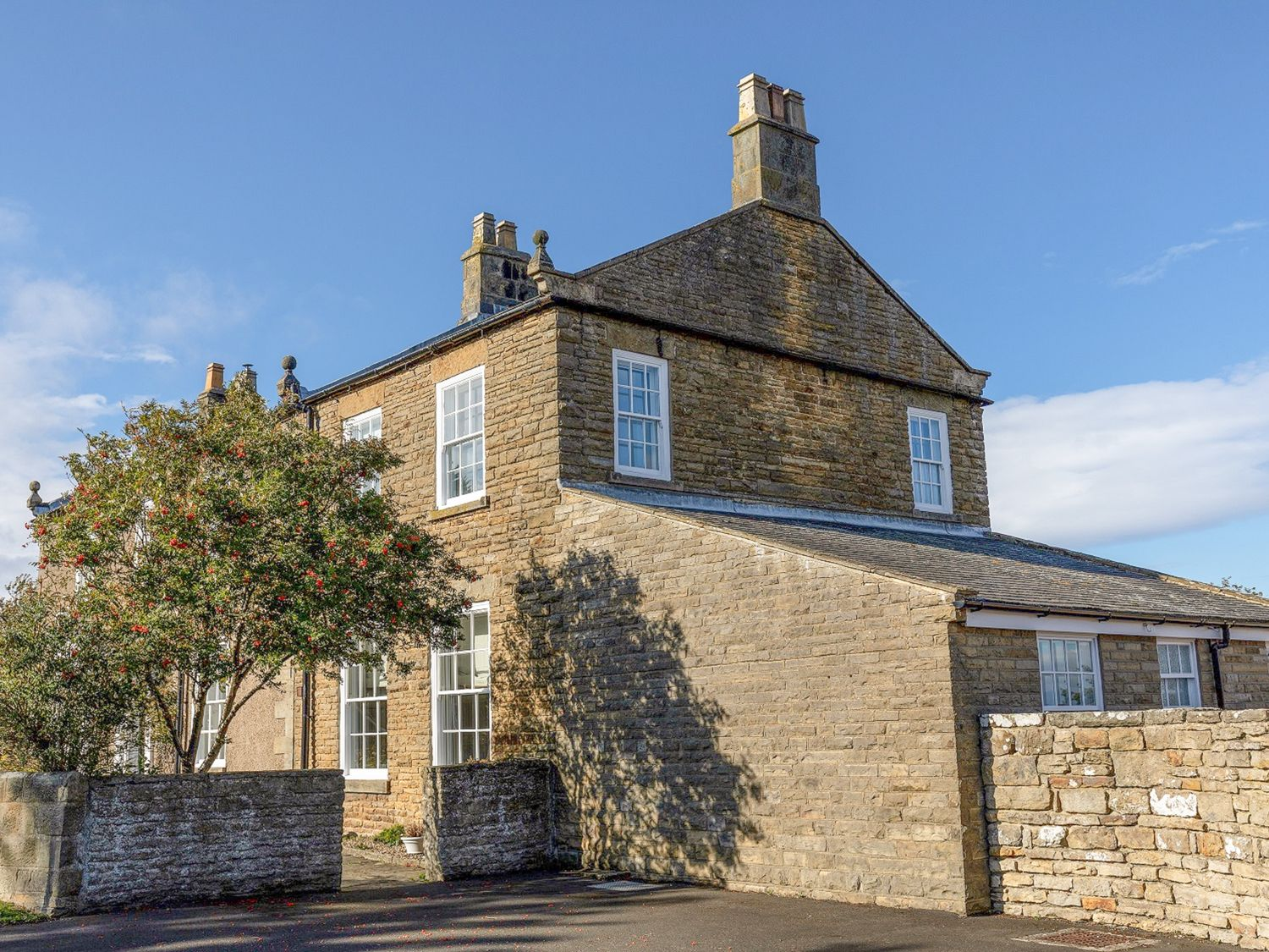 Apartment 1 Sneaton Hall - Whitby & North Yorkshire - 947678 - photo 1