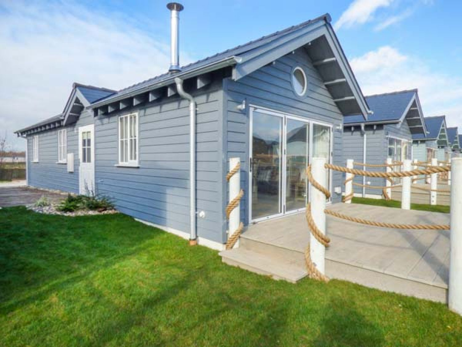 The Whittyfox Beach House - Whitby & North Yorkshire - 949295 - photo 1