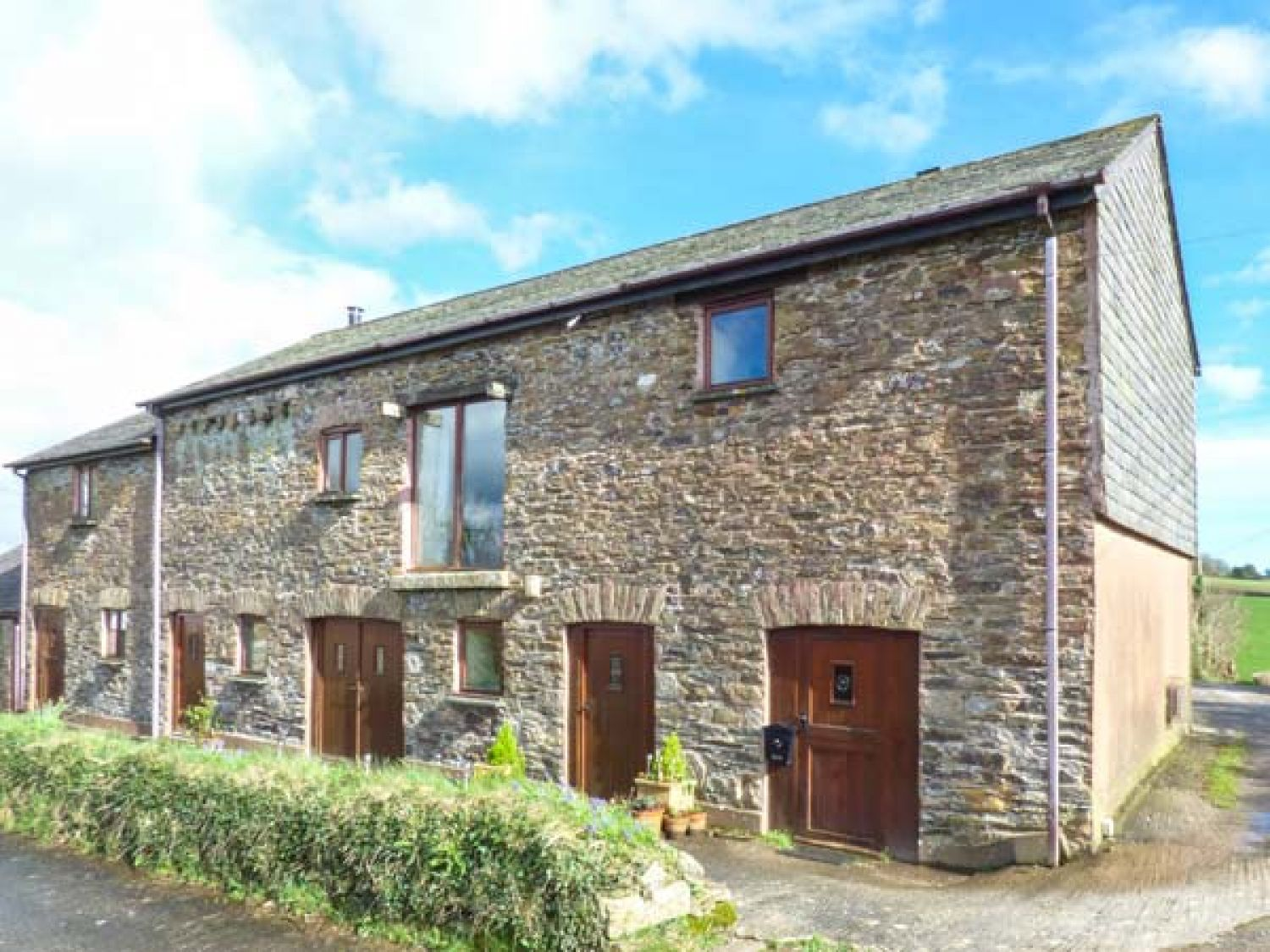 the old barn looe tregarland cornwall self catering holiday