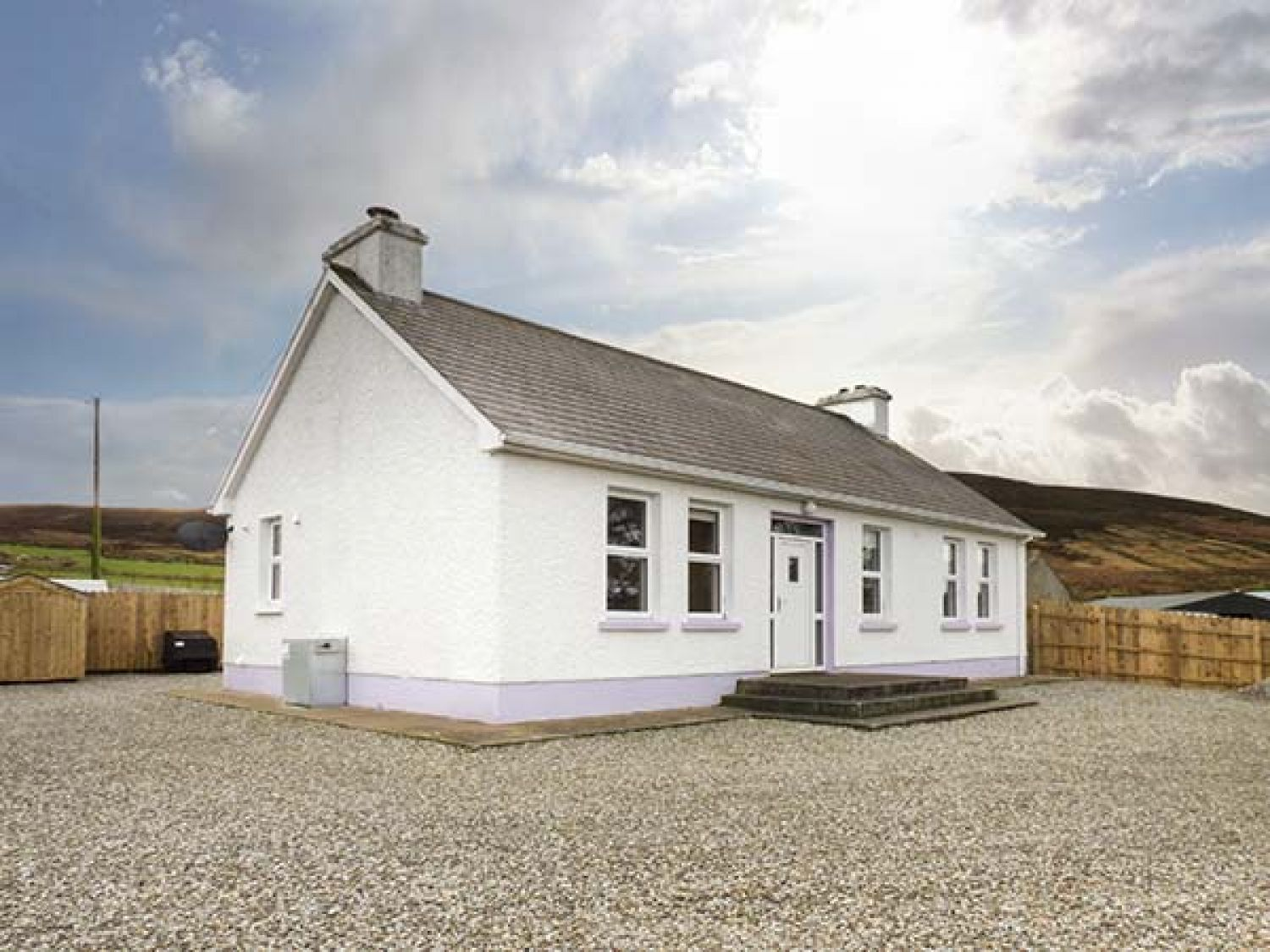 Umgall Cottage - County Donegal - 950796 - photo 1