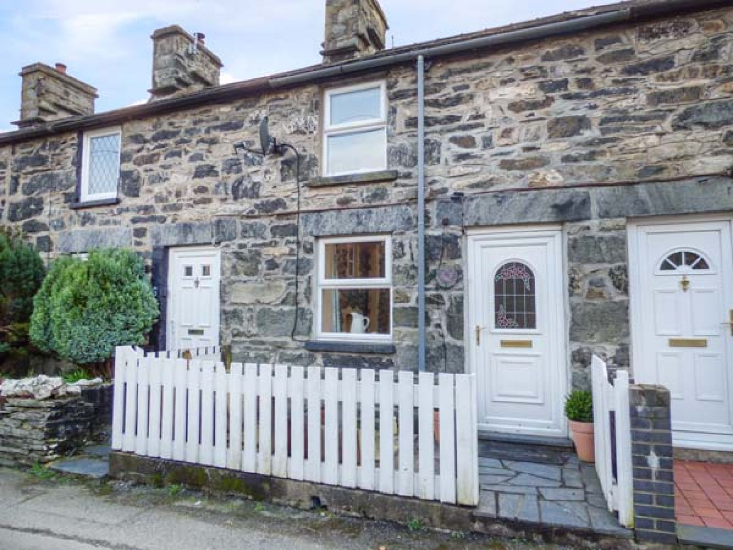 2 White Street - North Wales - 953390 - photo 1