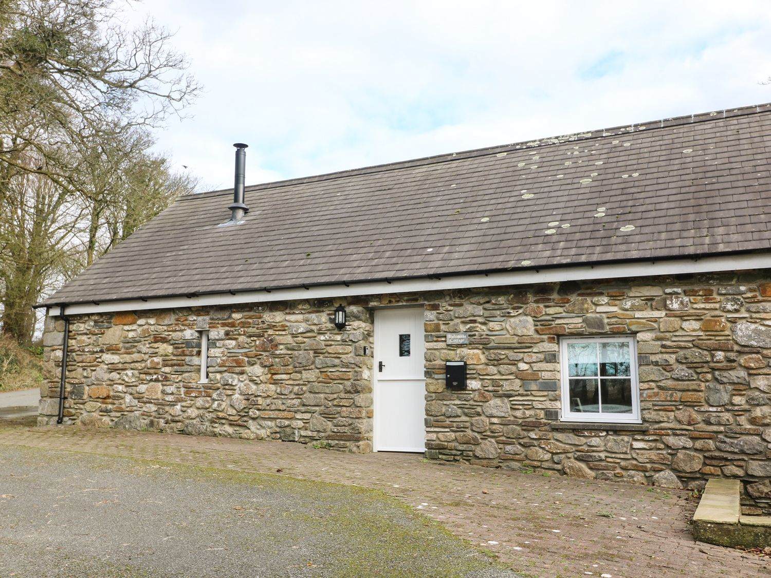 Blacksmiths Cottage - South Wales - 955346 - photo 1