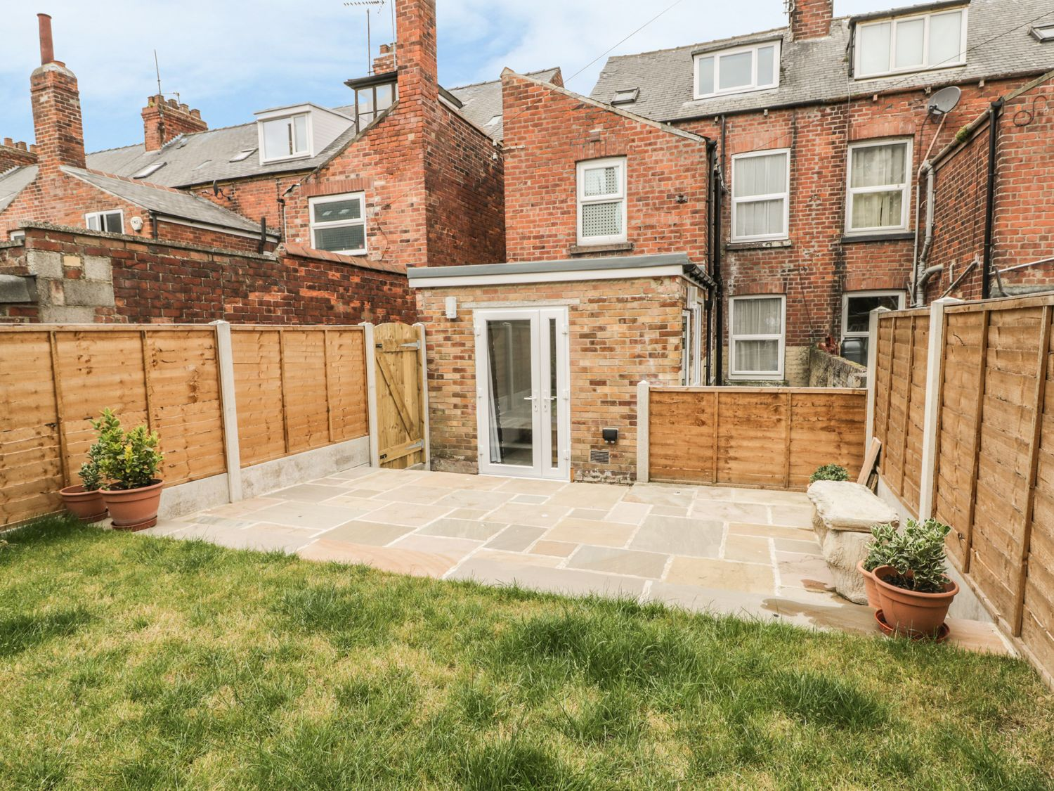 19 Holyrood Avenue - Whitby & North Yorkshire - 956000 - photo 1