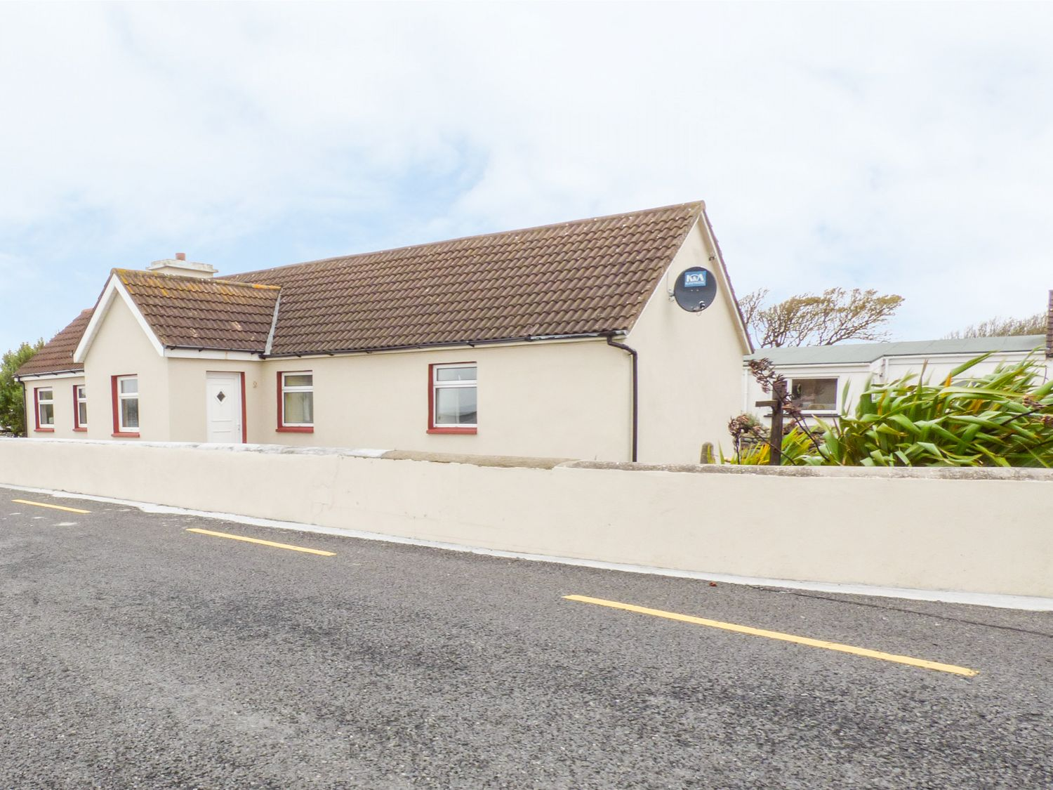 Failter Cottage - County Clare - 956080 - photo 1