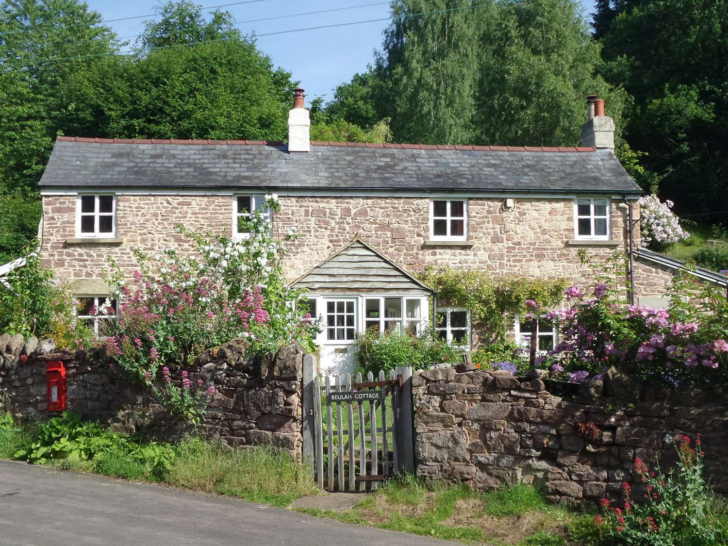 Holiday Cottages in Gloucestershire: Beulah Cottage, Littledean | skykescottages.co.uk