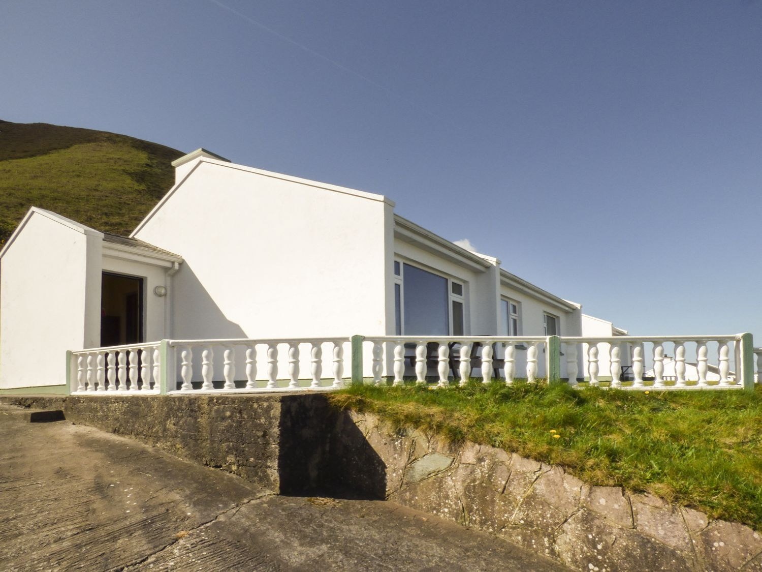 Rossbeigh Beach Cottage No 8 - County Kerry - 958673 - photo 1