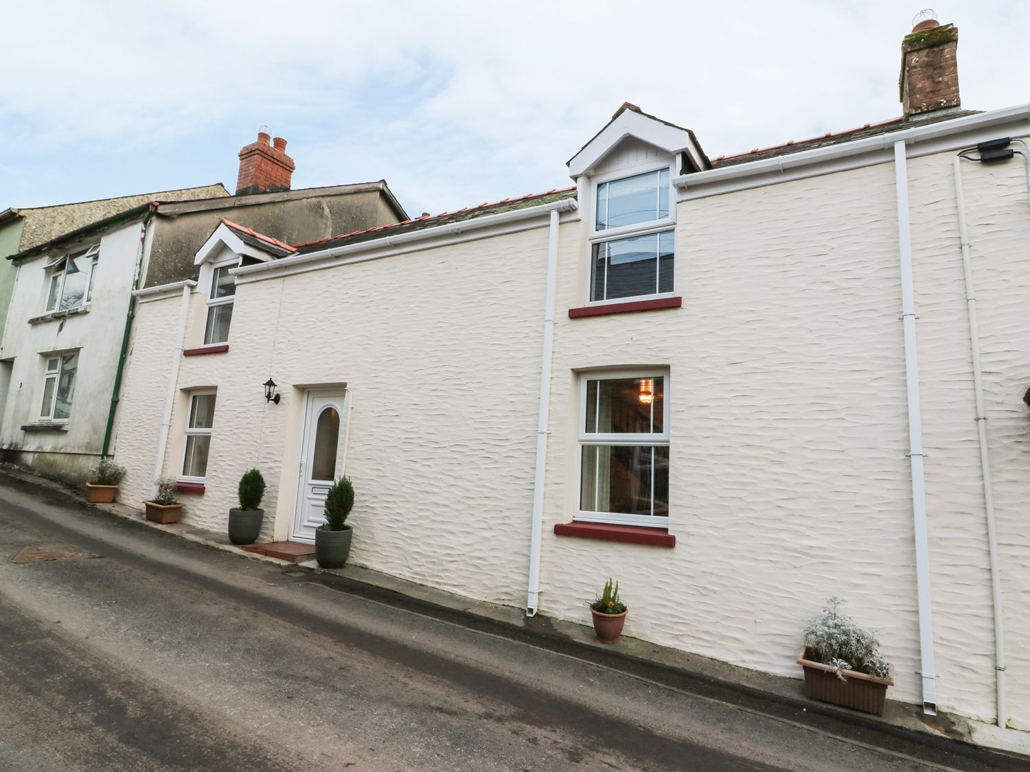 3 Horse Pool Road - South Wales - 962573 - photo 1