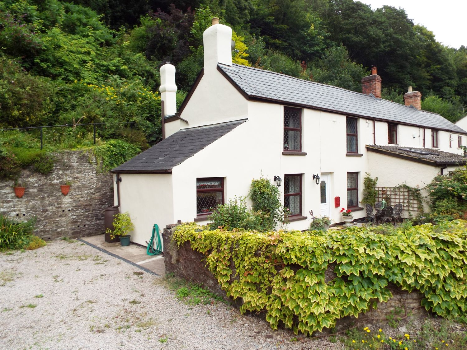 1 Yew Tree Cottages photo 1