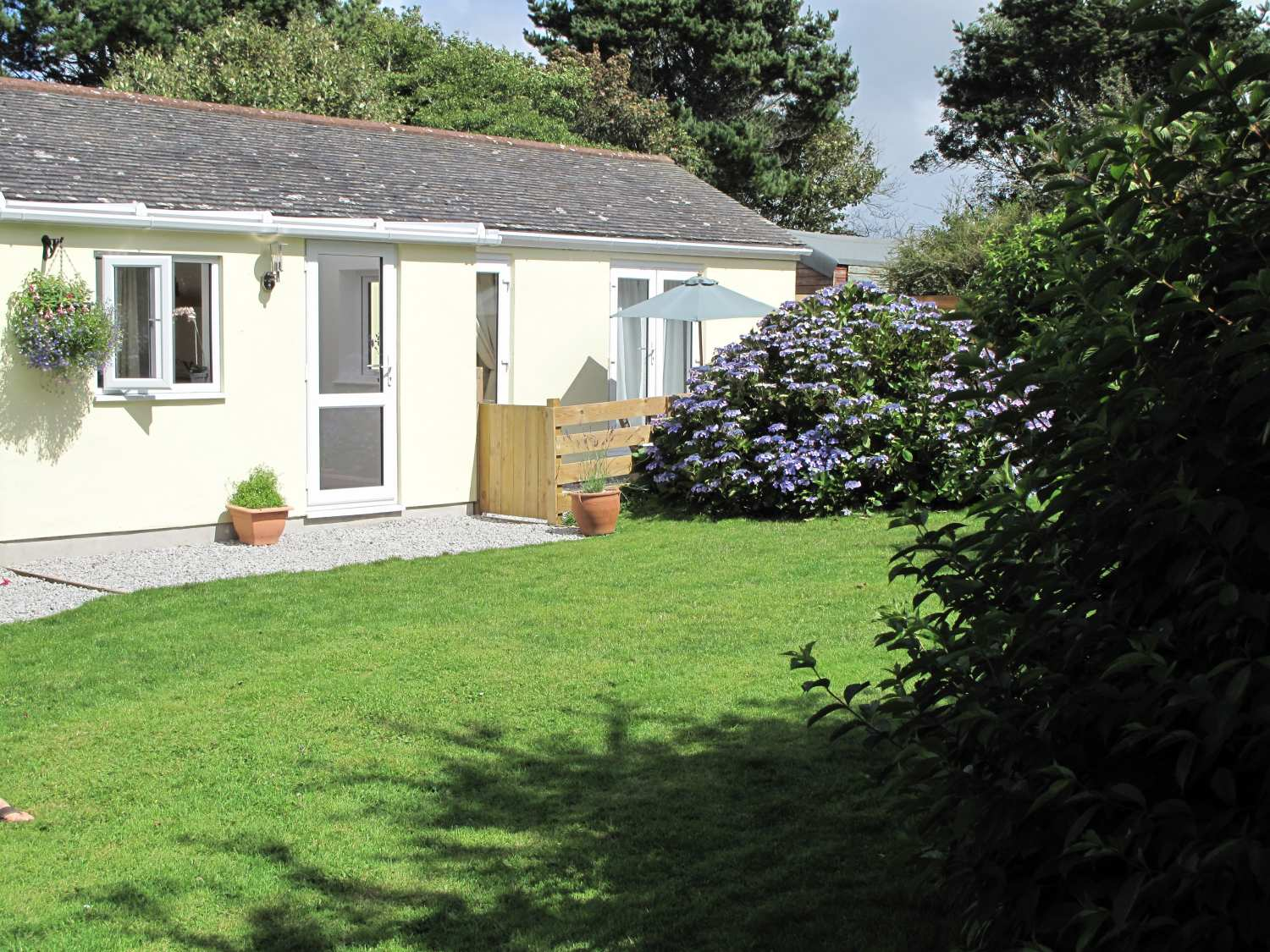 Garden Cottage photo 1