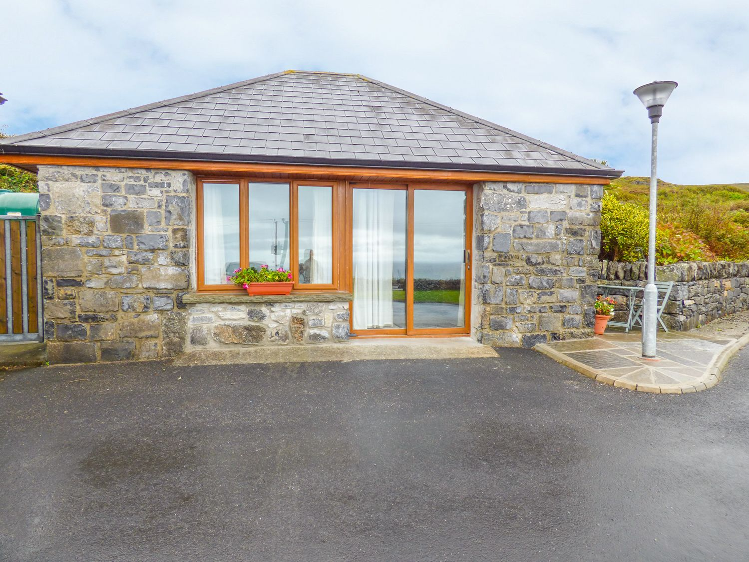 Connoles Cottage - County Clare - 967598 - photo 1