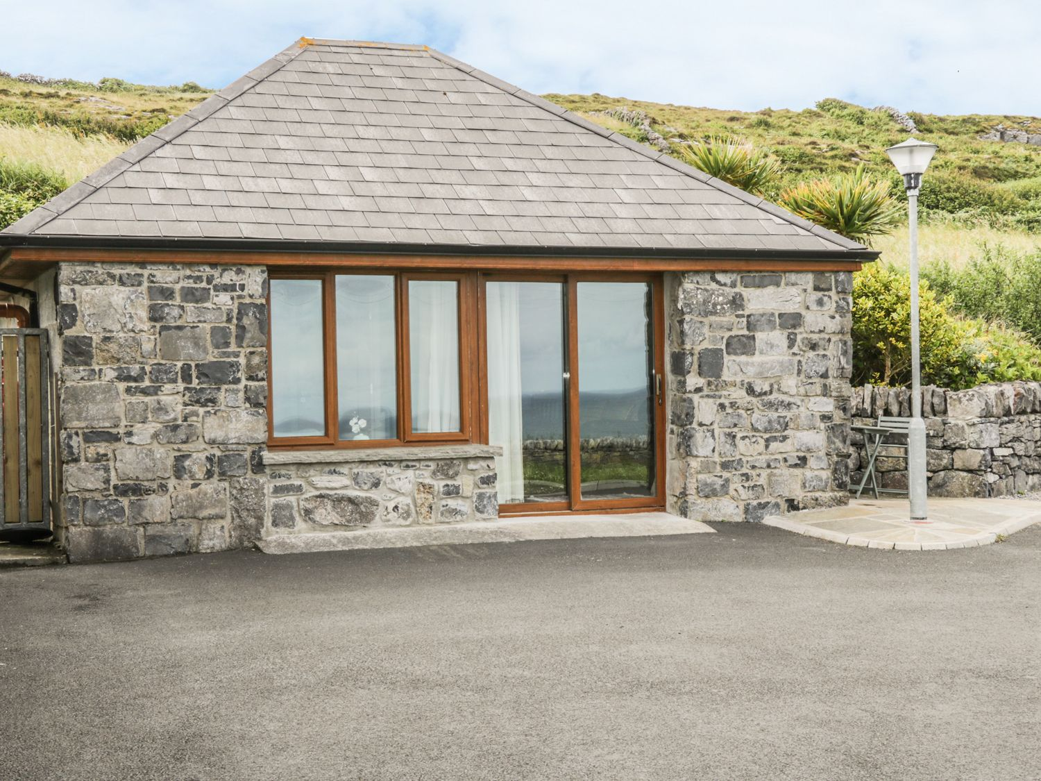 Connoles Cottage - County Clare - 970404 - photo 1