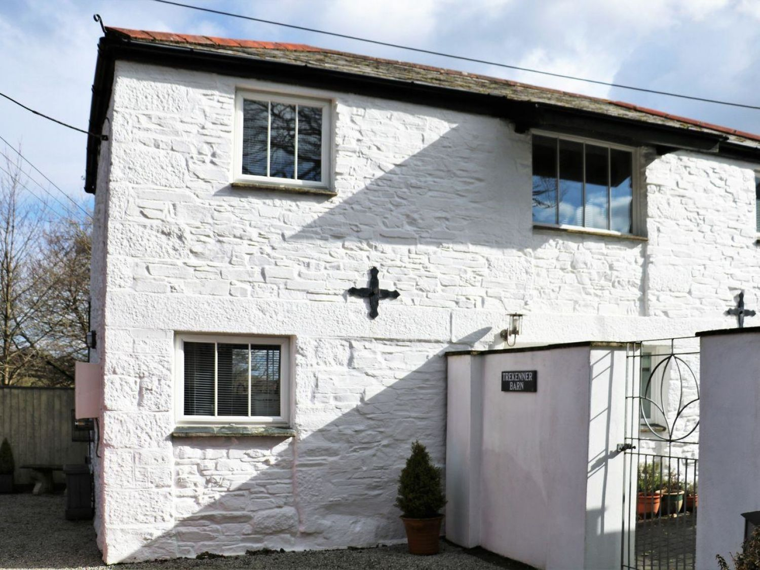 Trekenner Barn | Pipers Pool | Cornwall | Self Catering Holiday Cottage
