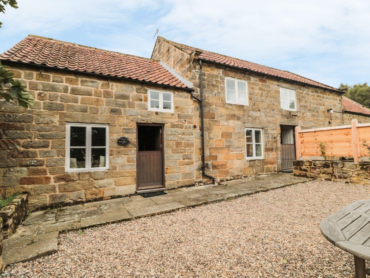 Pond Cottage - Whitby & North Yorkshire - 983977 - photo 1
