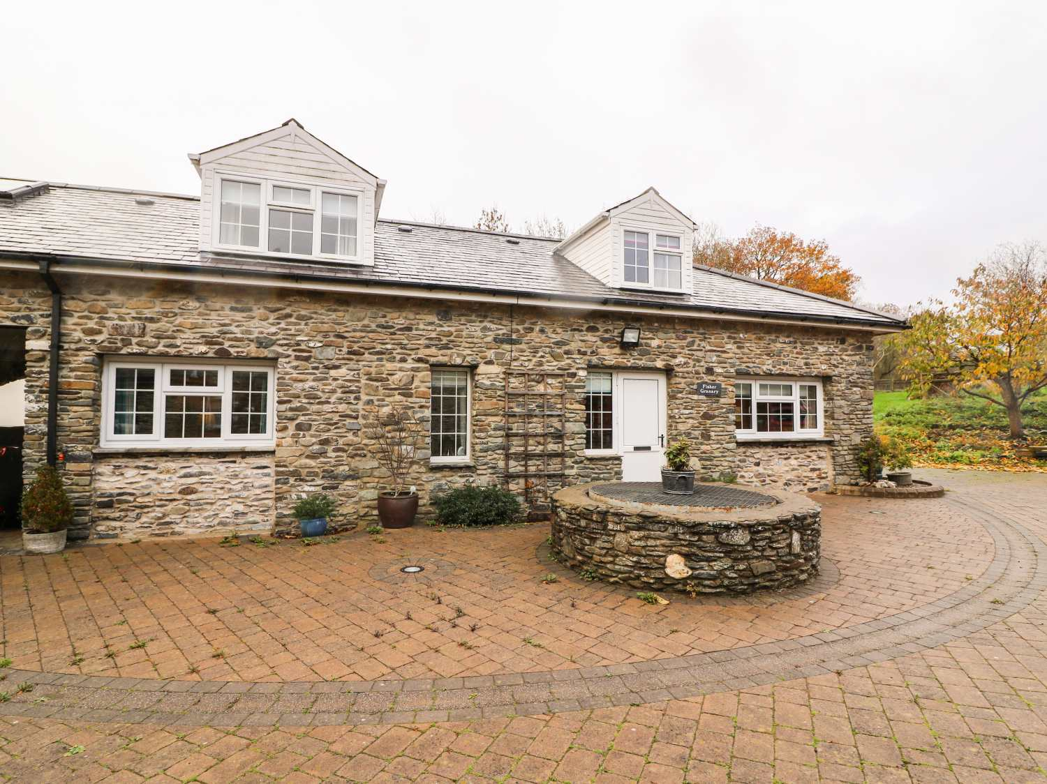 Fisher Granary Lampeter Cilgell Self Catering Holiday Cottage