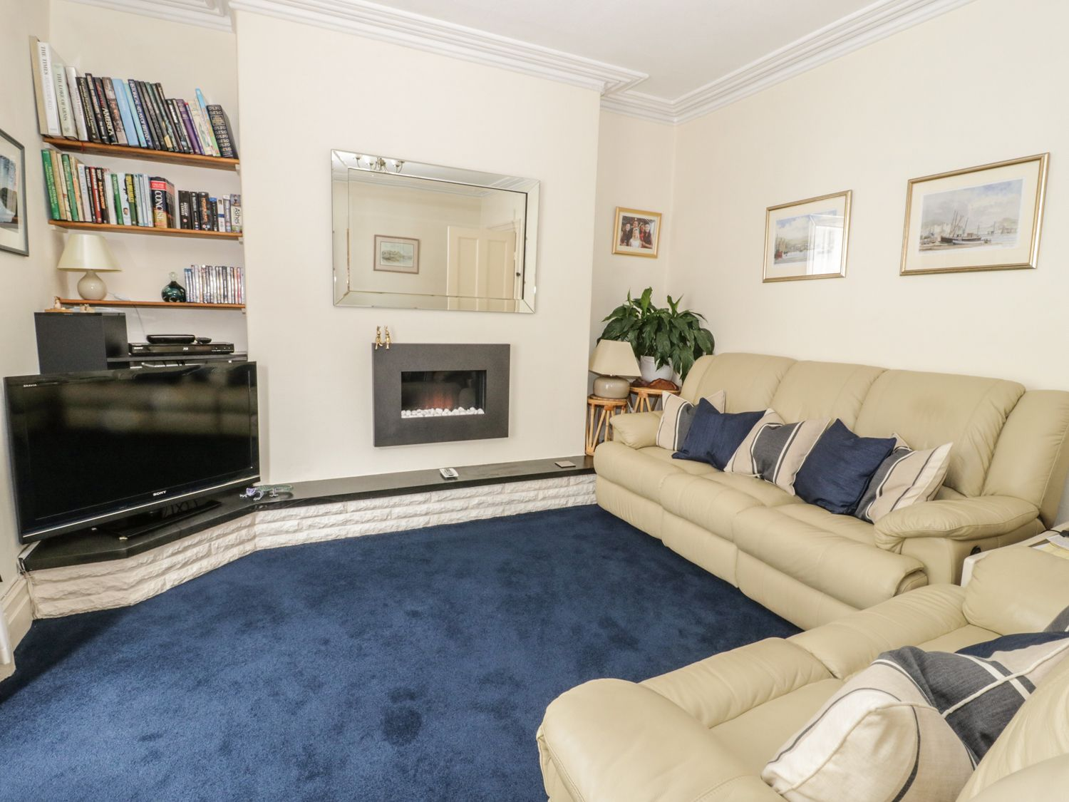 3A High Street - North Wales - 988036 - photo 1