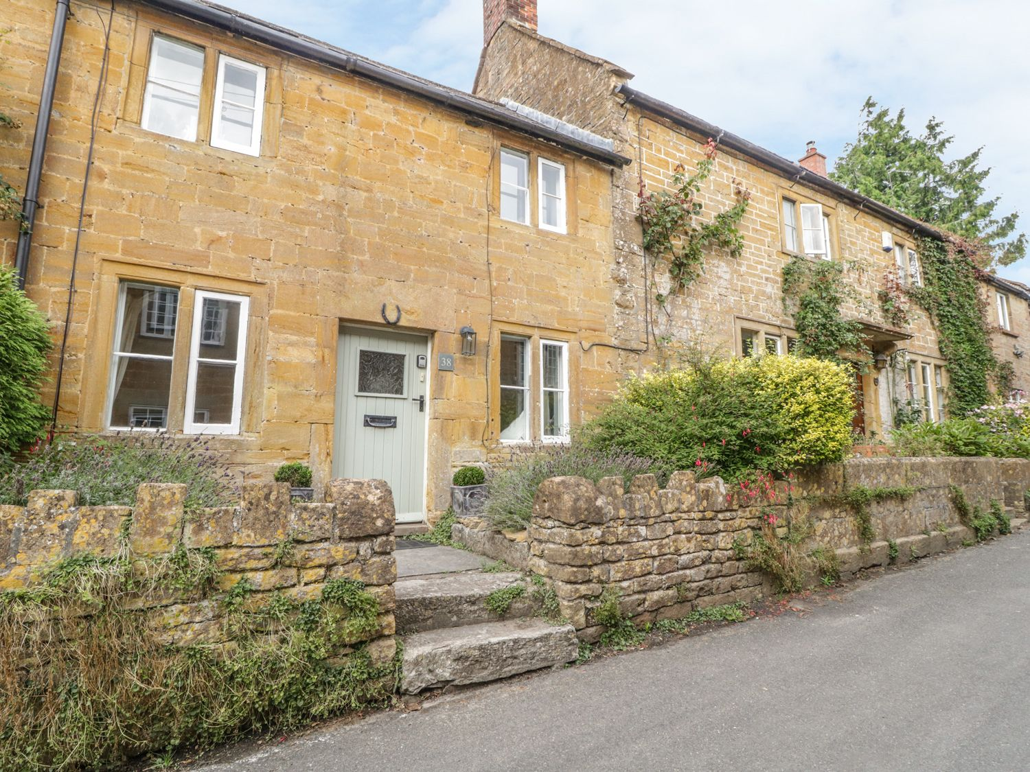 Lower Odcombe Cottage - Somerset & Wiltshire - 988549 - photo 1