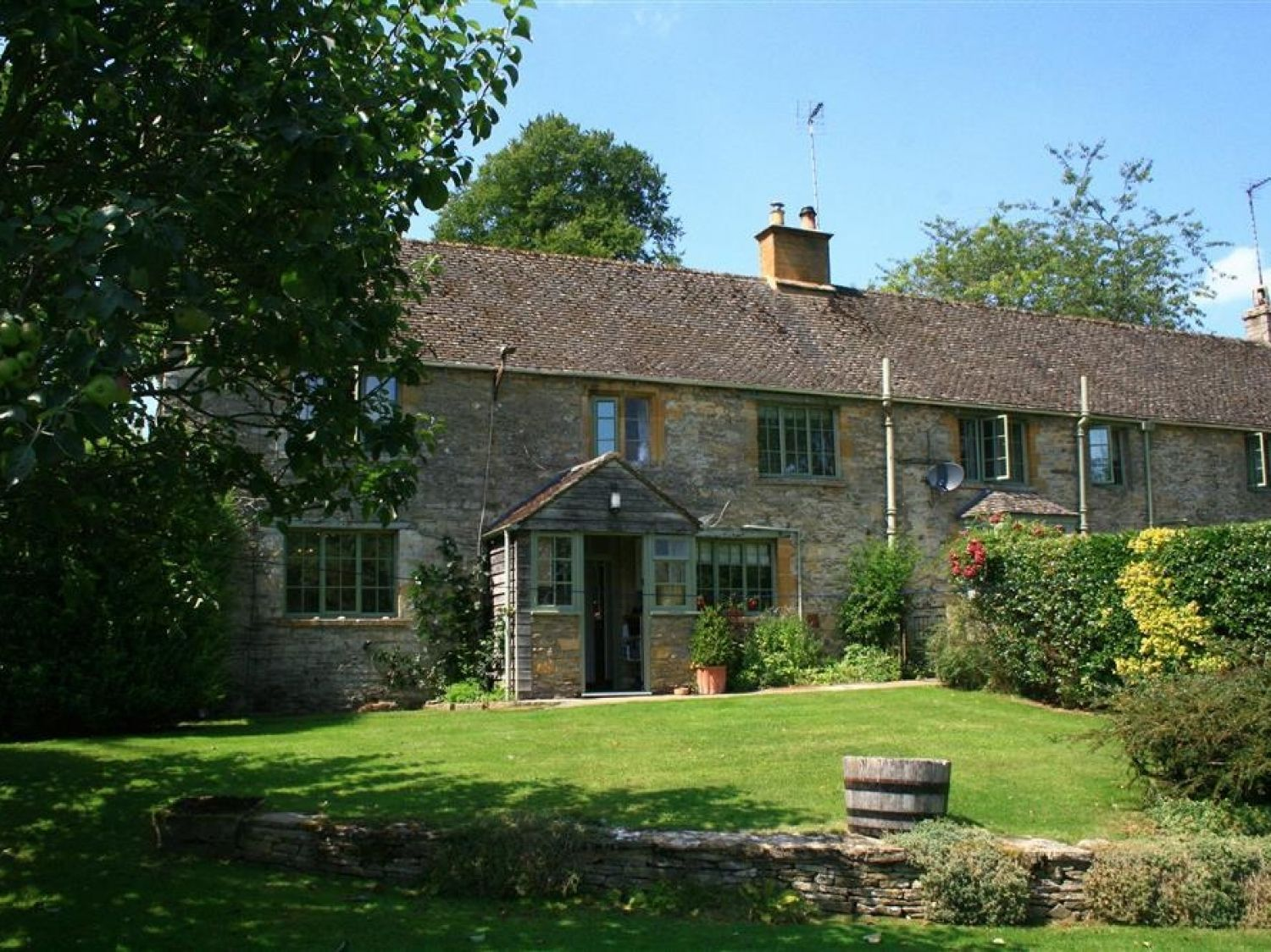 3 Church Cottages, Notgrove - Cotswolds - 988792 - photo 1