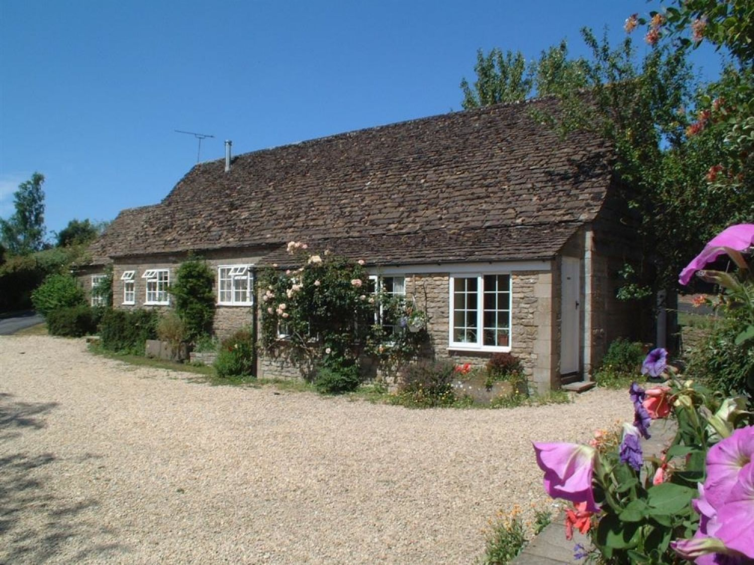 Stable Cottage, Little Somerford - Somerset & Wiltshire - 988943 - photo 1
