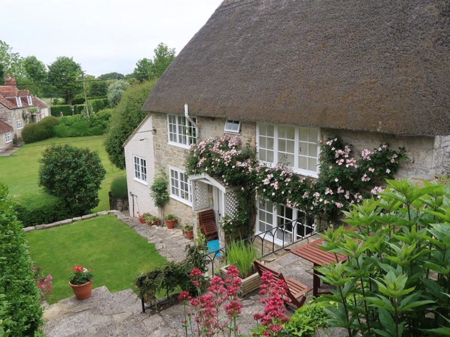 Church Steps Cottage - Somerset & Wiltshire - 988980 - photo 1