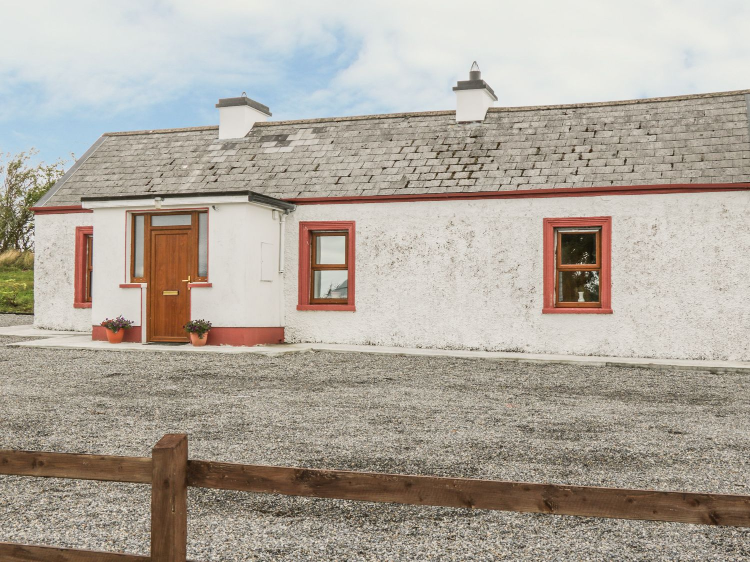 Mc's Cottage - County Sligo - 989958 - photo 1