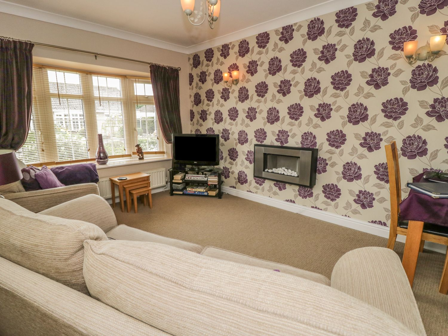 Svært Cosy Corner | Haxby | Haxby Landing | North York Moors And Coast PM-37