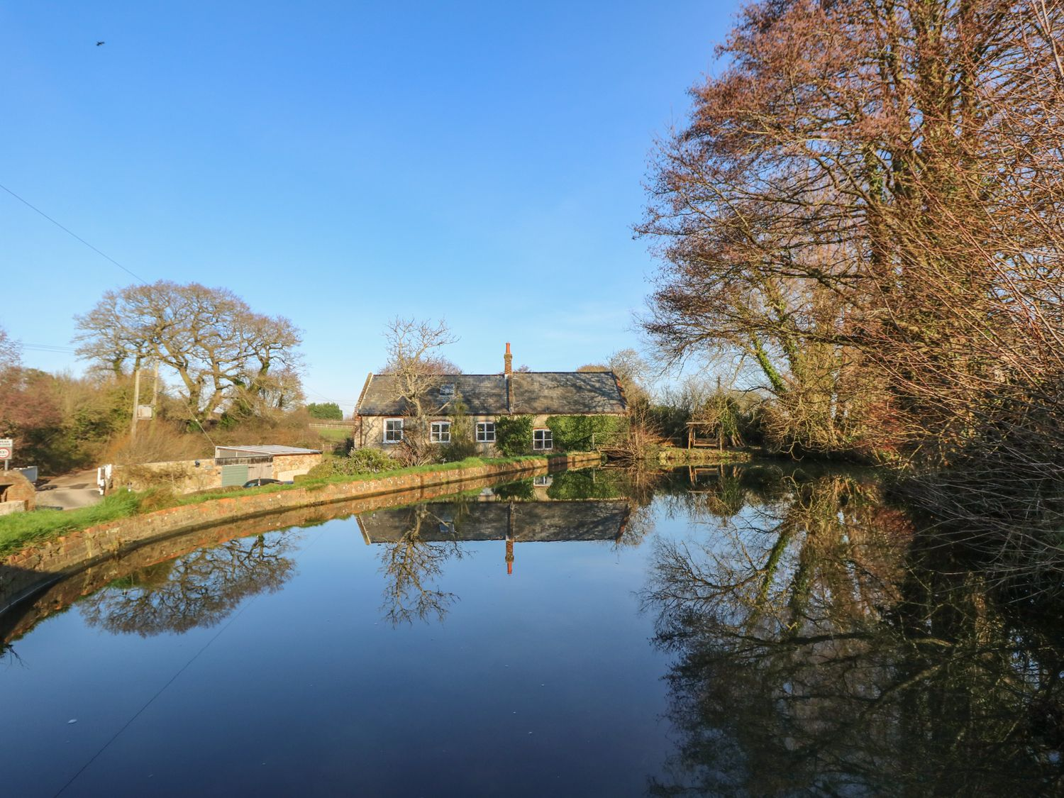 Lower Calbourne Mill - Isle of Wight & Hampshire - 999302 - photo 1