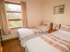 Cottage 5 - Antrim - 1001985 - thumbnail photo 9
