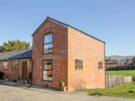 Old Hall Barn 2 - Shropshire - 1004373 - thumbnail photo 2