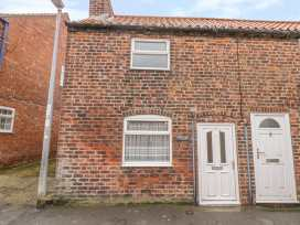 Willow Tree Cottage - Whitby & North Yorkshire - 1004928 - thumbnail photo 1
