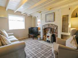 Willow Tree Cottage - Whitby & North Yorkshire - 1004928 - thumbnail photo 2