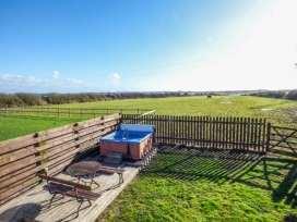 Cefn Farm Cottage - Anglesey - 11306 - thumbnail photo 2