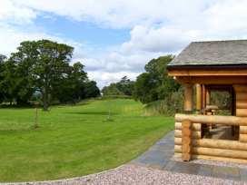 Cedar Log Cabin, Brynallt Country Park - Shropshire - 3623 - thumbnail photo 14