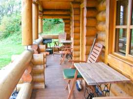 Cedar Log Cabin, Brynallt Country Park - Shropshire - 3623 - thumbnail photo 11