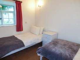 Hunting Lodge - North Wales - 381 - thumbnail photo 11